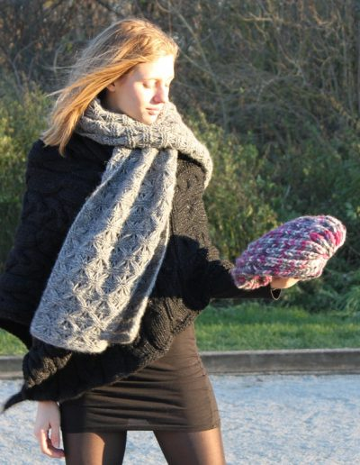 Eleganter Schal mit Seide
